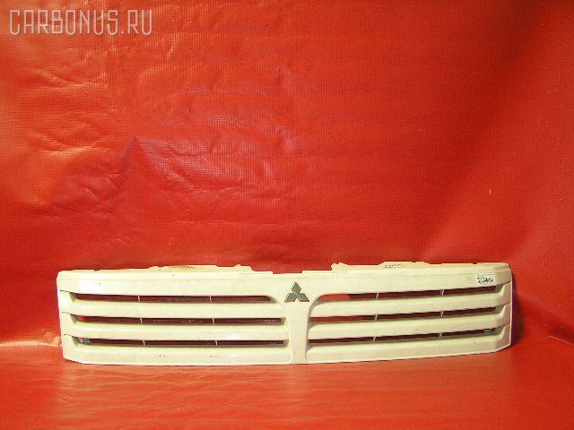 Решетка радиатора MITSUBISHI CHARIOT GRANDIS N84W. Фото 1