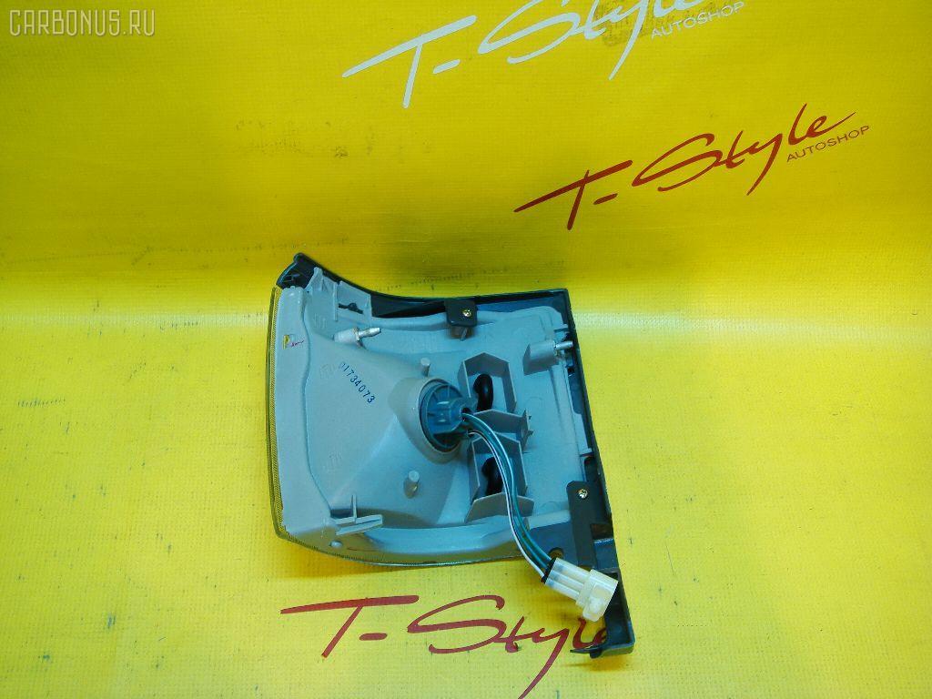Поворотник к фаре TOYOTA HIACE LH106. Фото 2