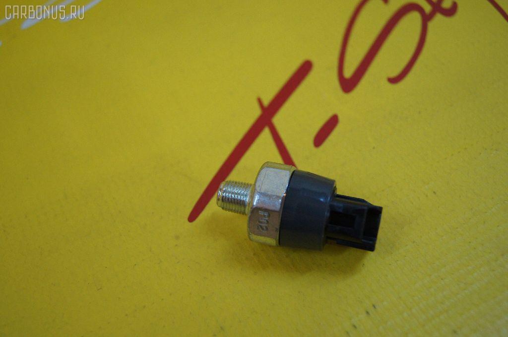 Датчик давления масла TOYOTA VITZ KSP90 1KR-FE. Фото 1