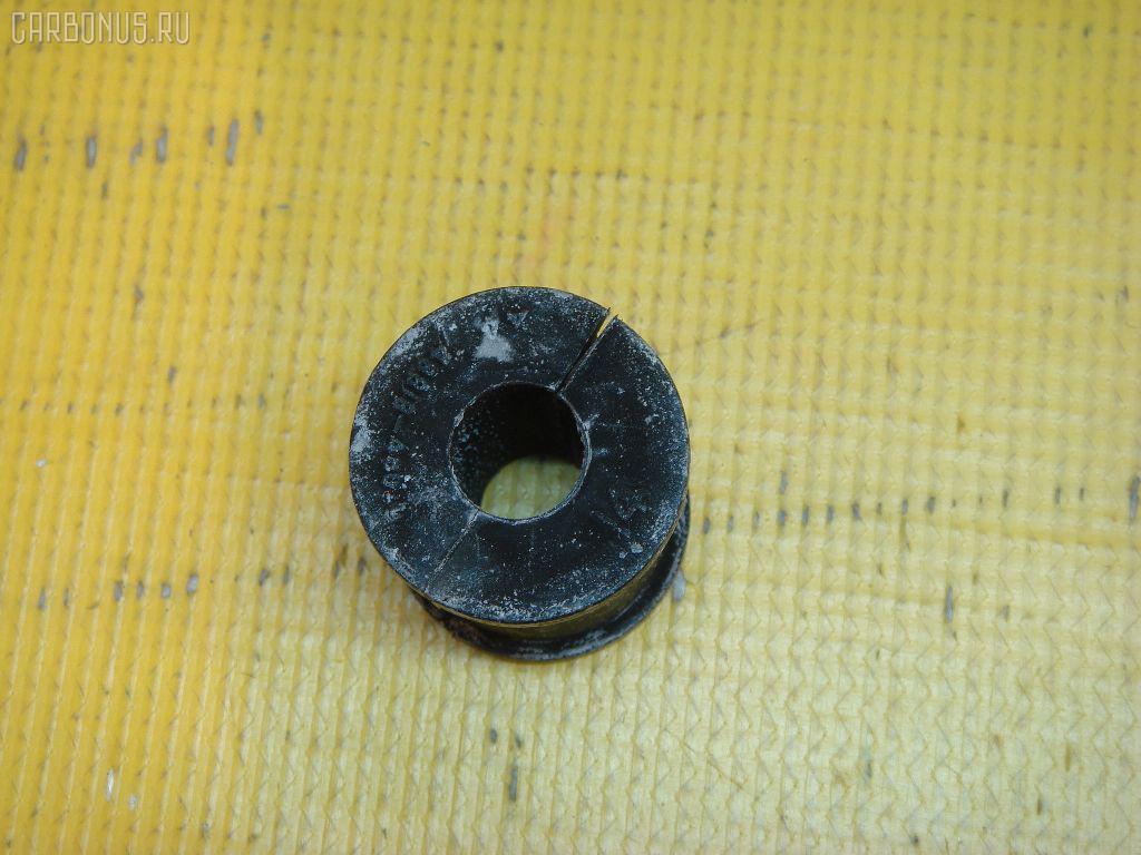 Втулка стабилизатора TOYOTA HARRIER ACU15 Фото 1