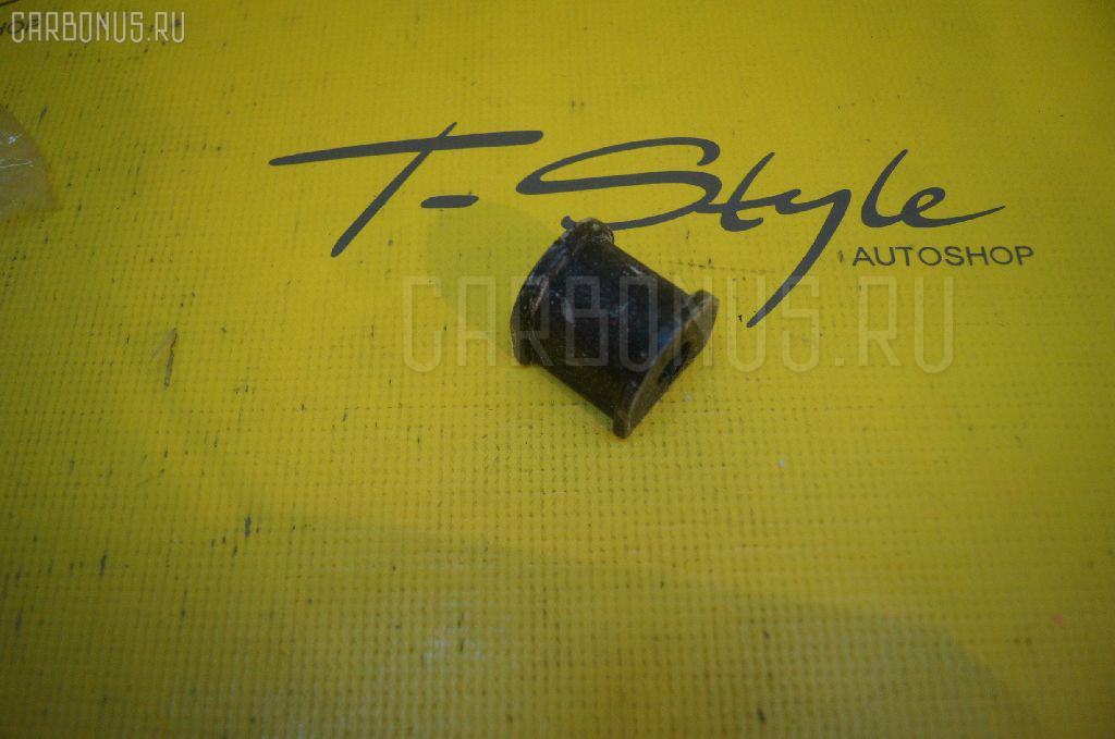 Втулка стабилизатора TOYOTA SPRINTER AE111 Фото 2