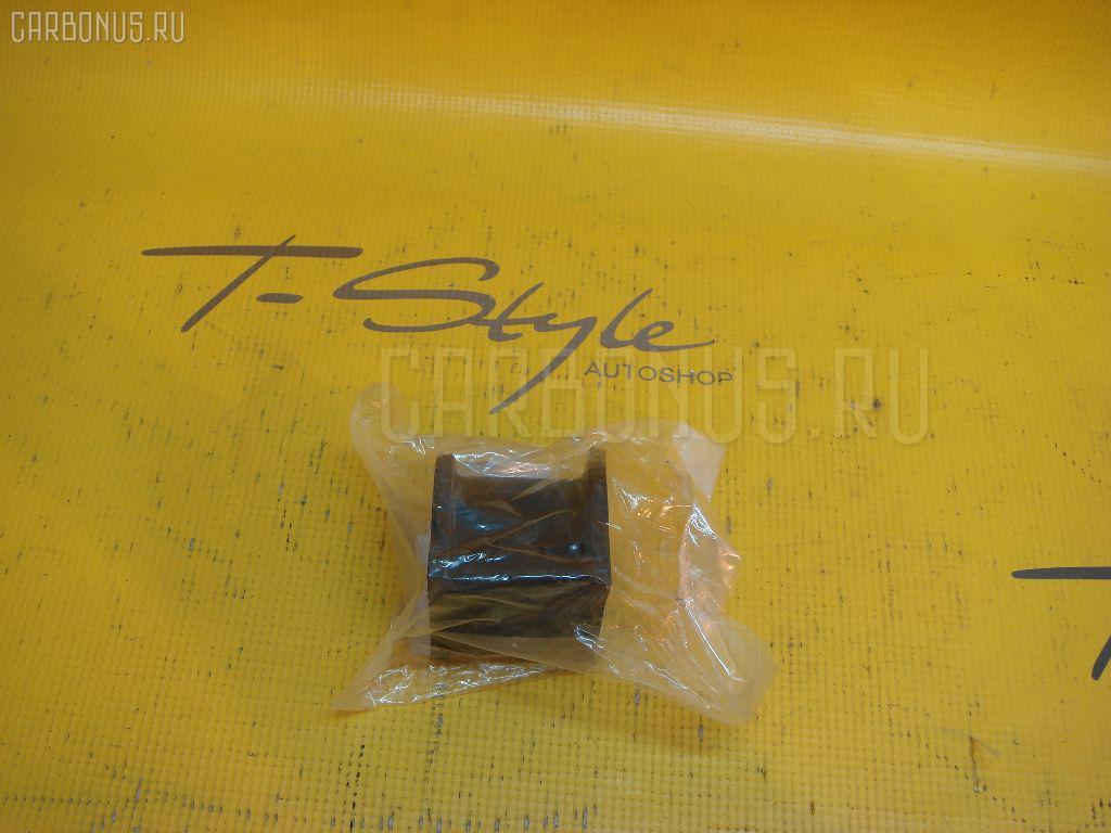 Втулка стабилизатора LEXUS GX470 UZJ120 Фото 1