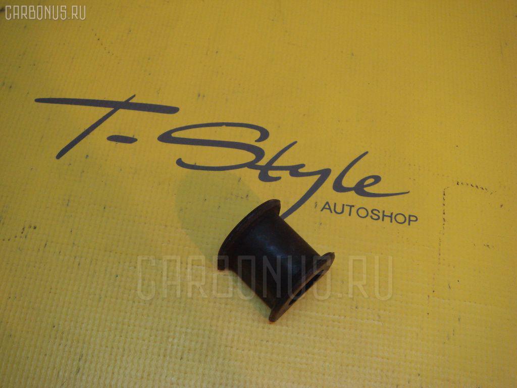 Втулка стабилизатора TOYOTA NADIA SXN15 Фото 3