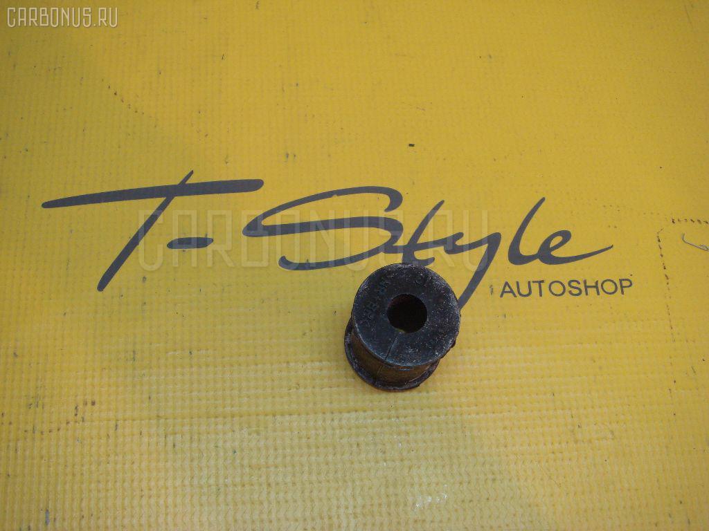 Втулка стабилизатора TOYOTA HARRIER ACU35 Фото 1