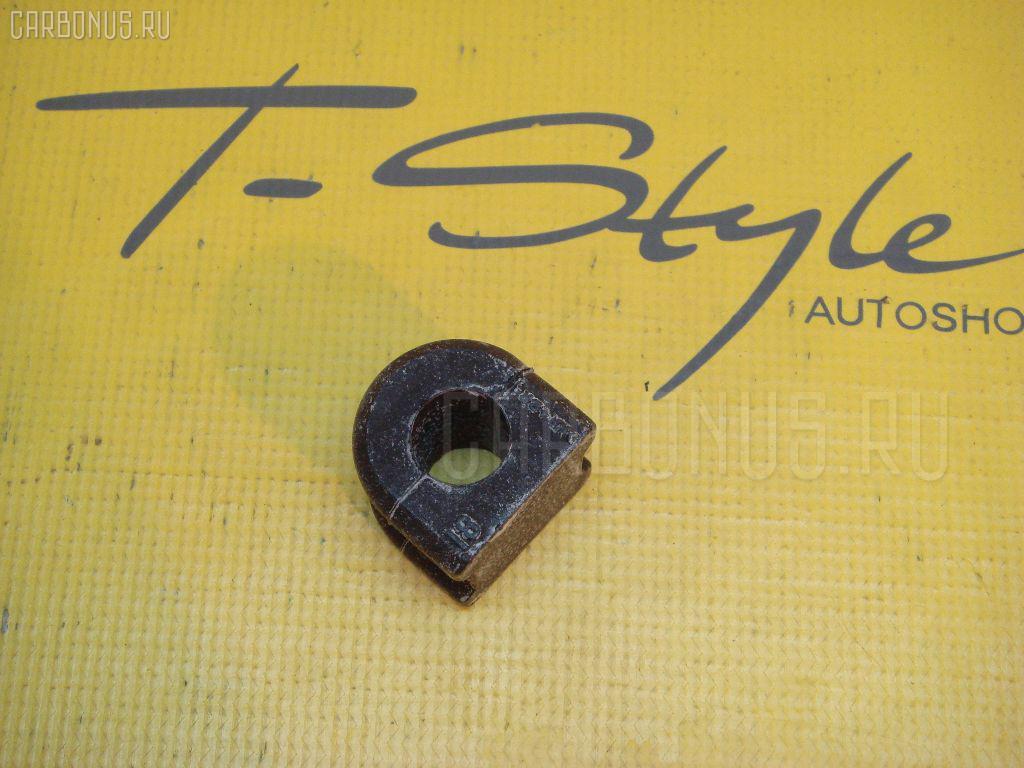 Втулка стабилизатора TOYOTA COROLLA FIELDER NZE144 Фото 1
