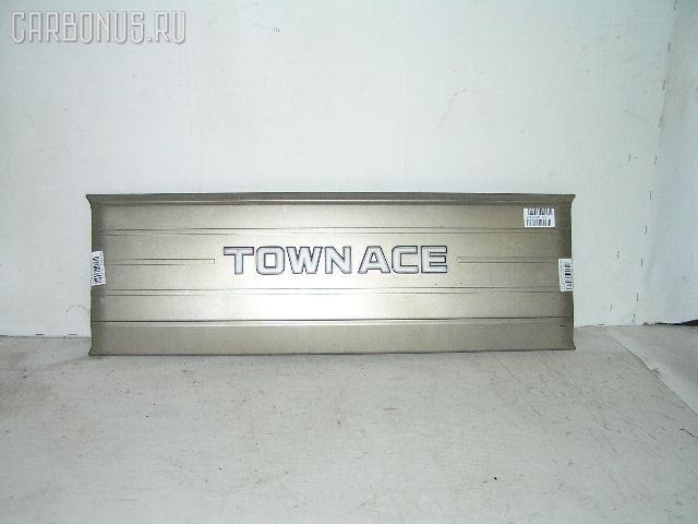 Решетка радиатора TOYOTA TOWN ACE KM51. Фото 1