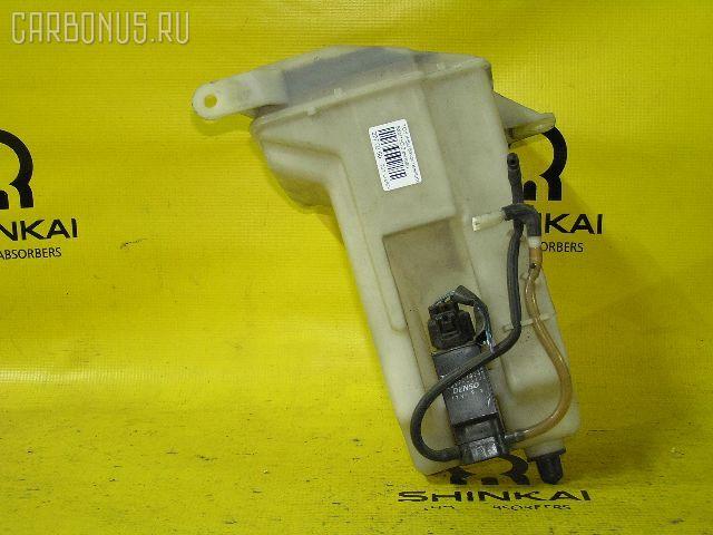 Бачок омывателя TOYOTA IPSUM SXM15G. Фото 1