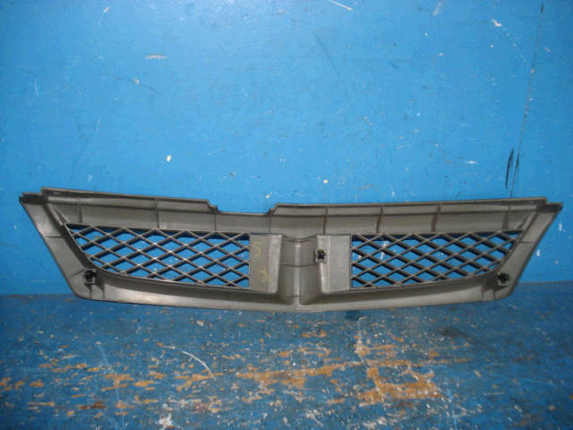 Решетка радиатора NISSAN WINGROAD WFY11. Фото 3