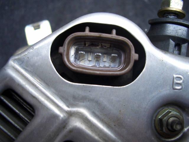 Генератор TOYOTA VISTA SV40 4S-FE. Фото 2