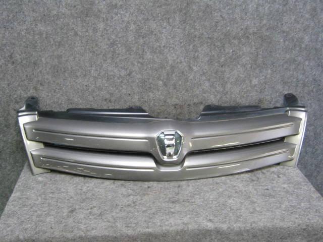 Решетка радиатора TOYOTA IST NCP60. Фото 2