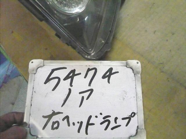 Фара TOYOTA NOAH AZR60G. Фото 2