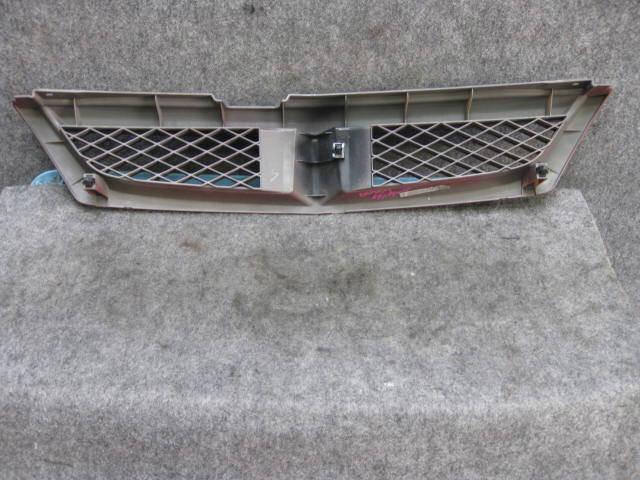 Решетка радиатора NISSAN WINGROAD WFY11. Фото 6