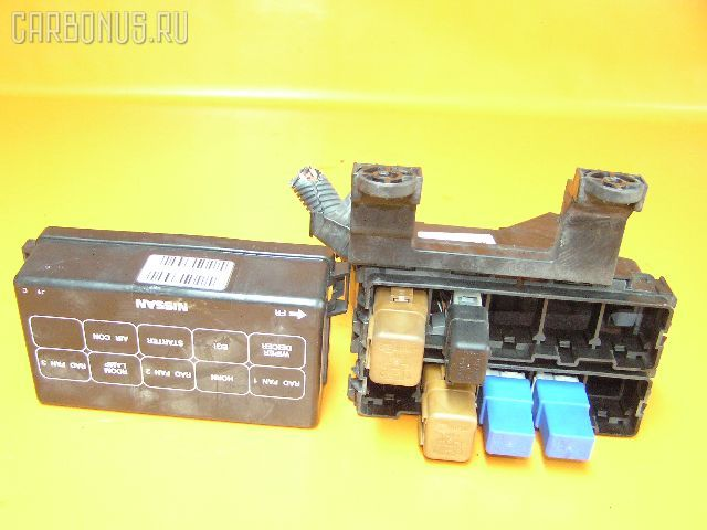 Блок предохранителей NISSAN SERENA PC24 SR20DE.  Фото 3.