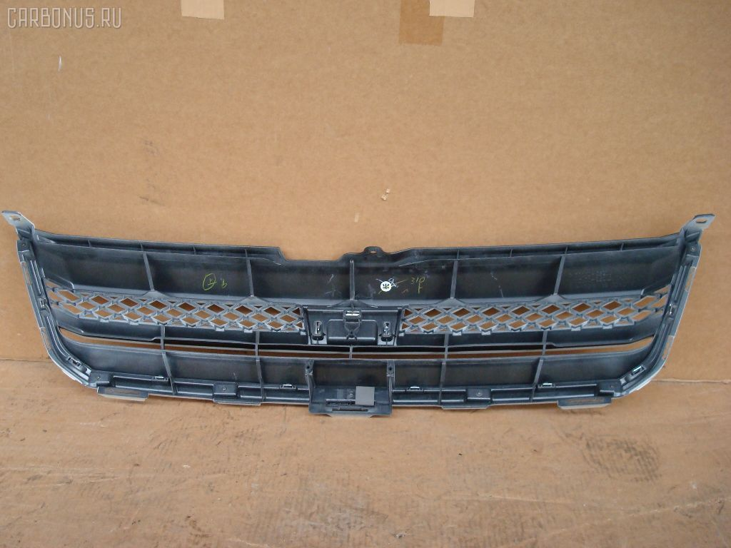 Решетка радиатора TOYOTA NOAH AZR60. Фото 4