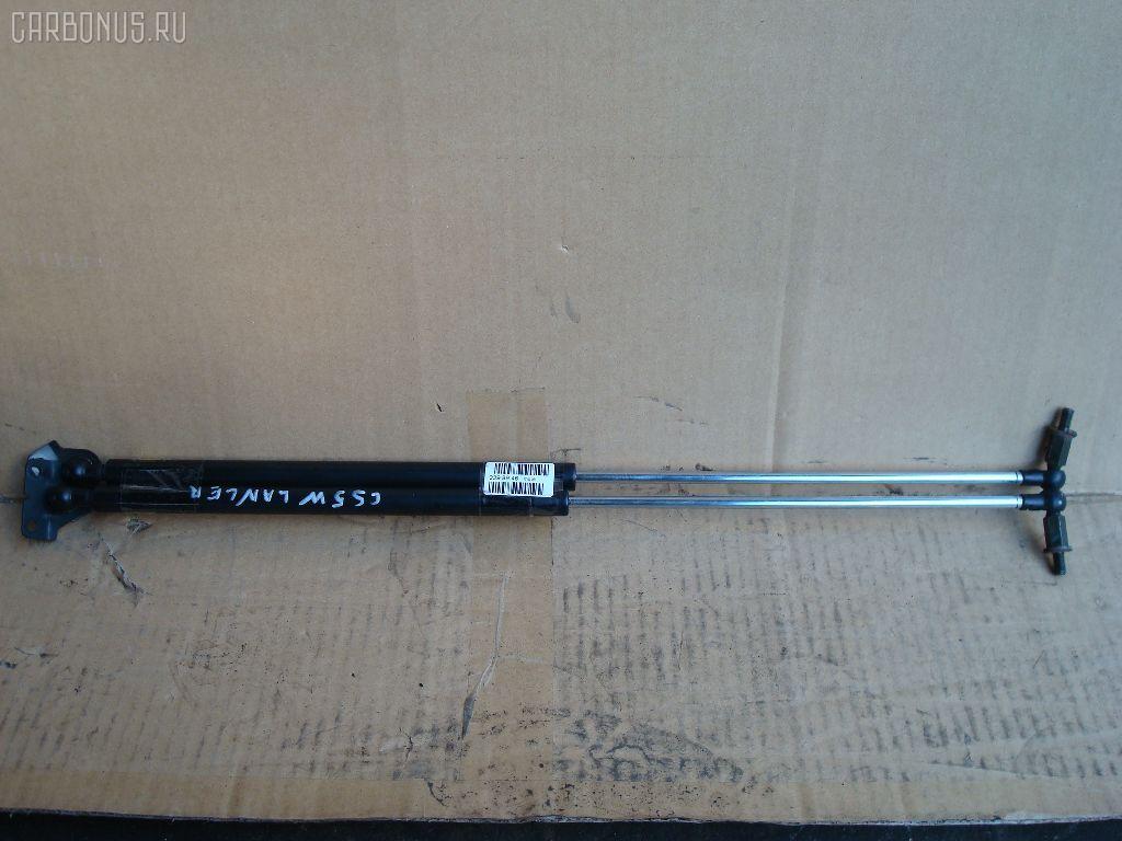 Амортизатор двери MITSUBISHI LANCER CEDIA WAGON CS5W. Фото 1
