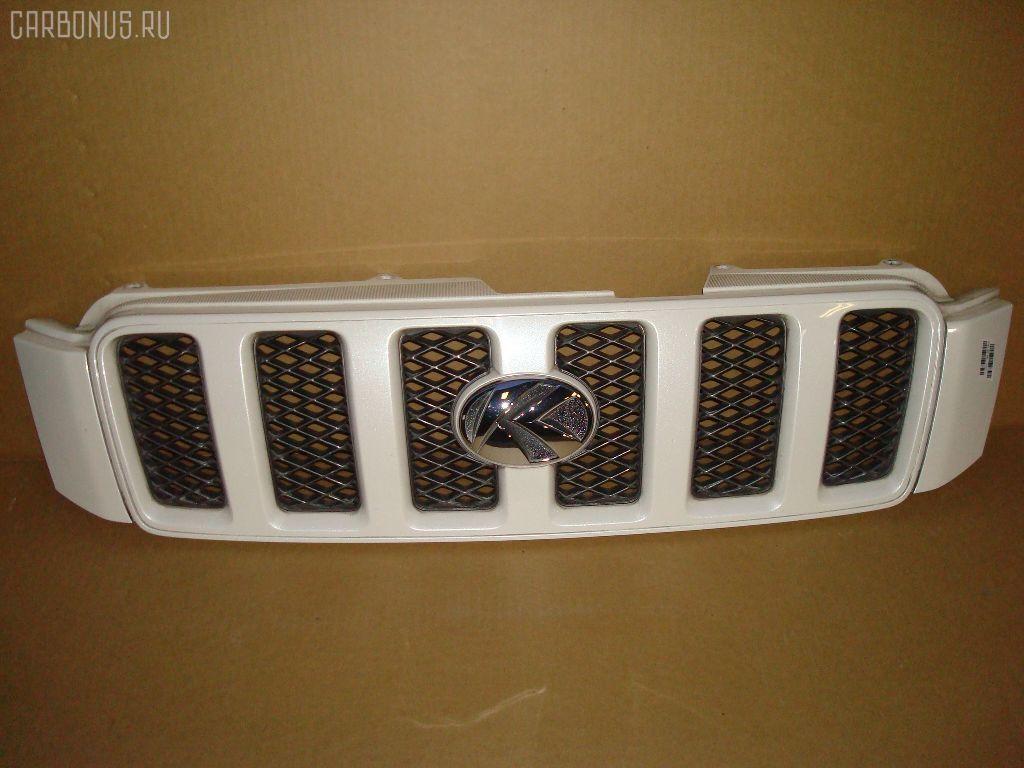 Решетка радиатора TOYOTA KLUGER V MCU20W. Фото 1