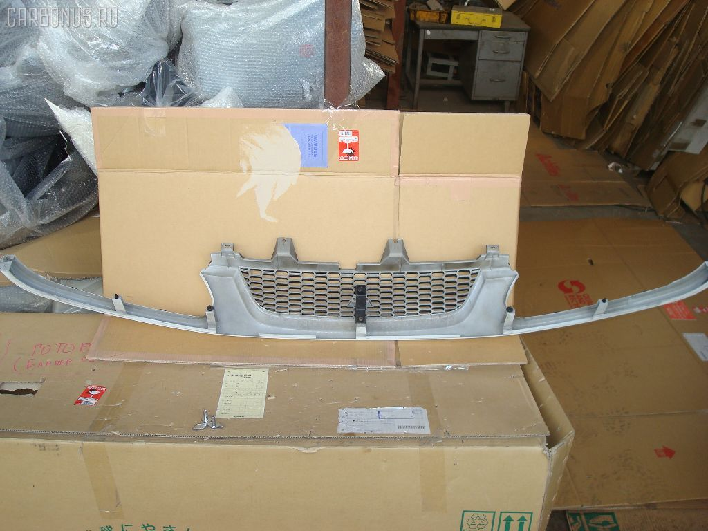 Решетка радиатора MITSUBISHI DELICA SPACE GEAR PD8W. Фото 4