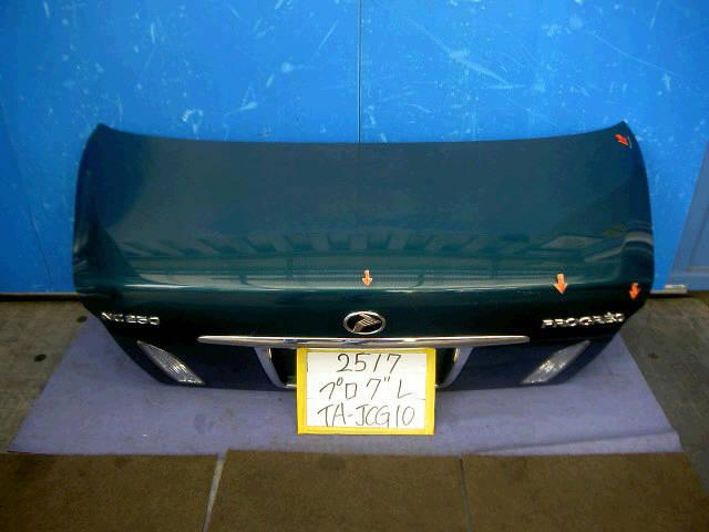 Крышка багажника TOYOTA PROGRES JCG10. Фото 3