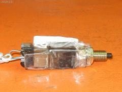 Выключатель концевой SUBARU LEGACY WAGON BP5 EJ20 Фото 1