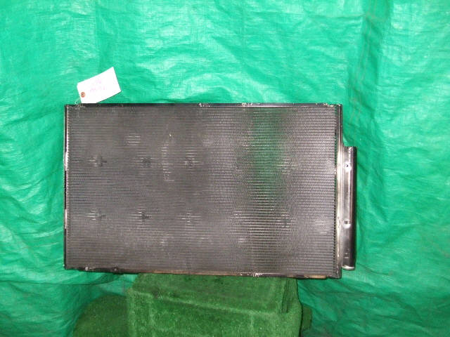 Радиатор кондиционера TOYOTA PREMIO ZZT240 1ZZ-FE. Фото 3