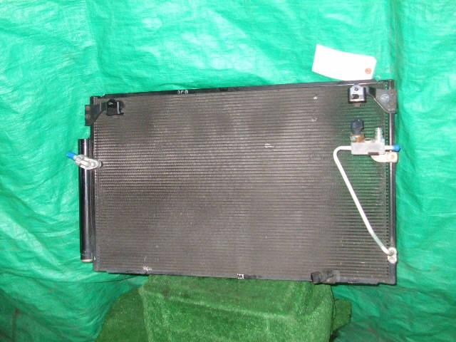 Радиатор кондиционера TOYOTA PREMIO ZZT240 1ZZ-FE. Фото 2