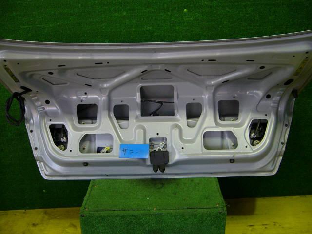 Крышка багажника NISSAN SUNNY FB15. Фото 11