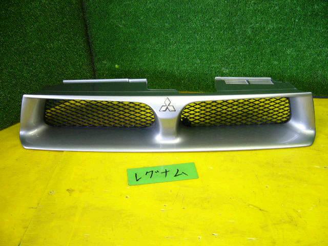 Решетка радиатора MITSUBISHI LEGNUM EC1W. Фото 2