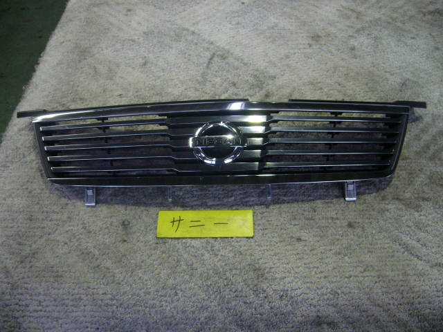 Решетка радиатора NISSAN SUNNY FB15. Фото 9