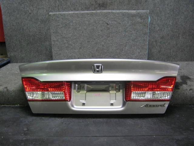 Крышка багажника HONDA ACCORD CL3. Фото 2