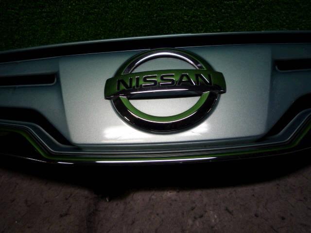 Решетка радиатора NISSAN NOTE E11. Фото 3
