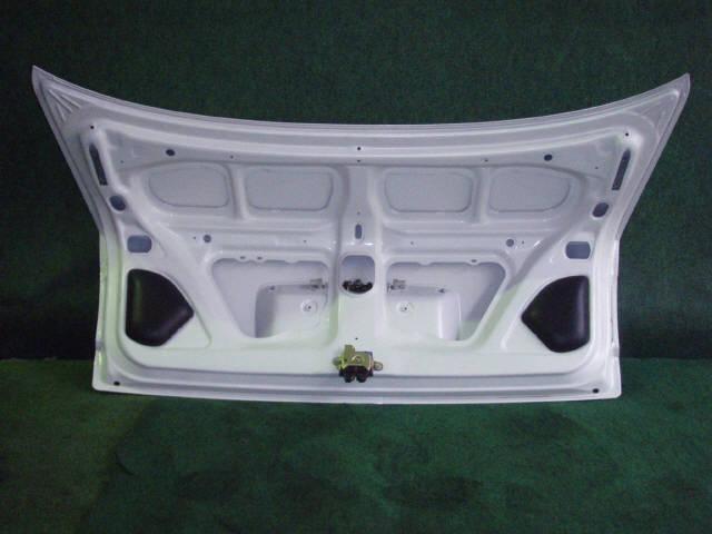 Крышка багажника TOYOTA COROLLA AE110. Фото 8