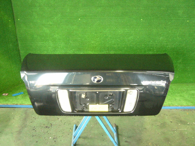 Крышка багажника TOYOTA PROGRES JCG10. Фото 4