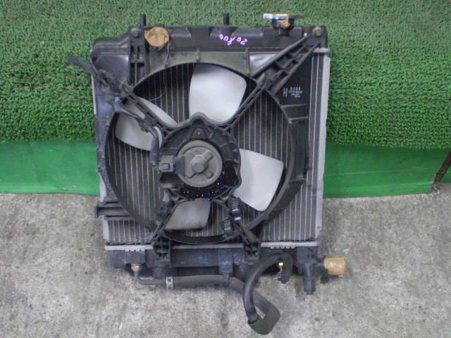 Радиатор ДВС MAZDA DEMIO DW3W B3-ME. Фото 3