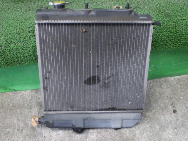Радиатор ДВС MAZDA DEMIO DW3W B3-ME. Фото 2