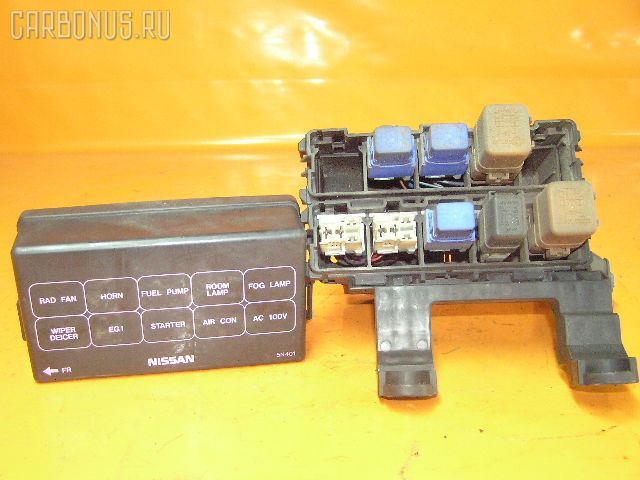 Блок предохранителей NISSAN SERENA PC24 SR20DE.  Фото 5.
