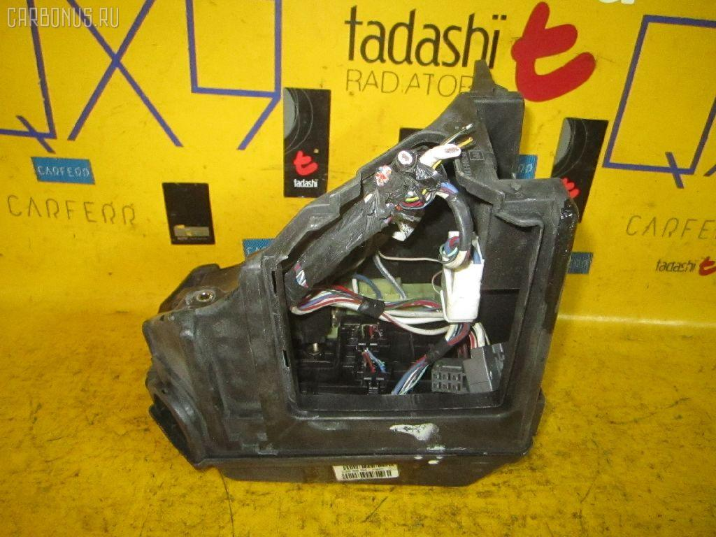 Блок предохранителей TOYOTA MARK II GX90 1G-FE.  Фото 2.