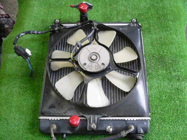 Радиатор ДВС SUZUKI SWIFT HT51S M13A. Фото 4