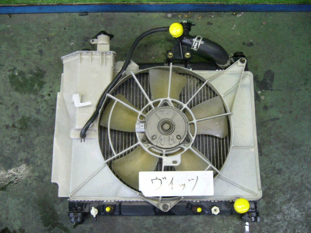 Радиатор ДВС TOYOTA IST NCP61 1NZ-FE. Фото 2