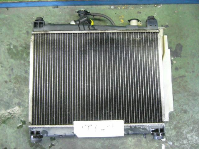 Радиатор ДВС TOYOTA IST NCP61 1NZ-FE. Фото 1