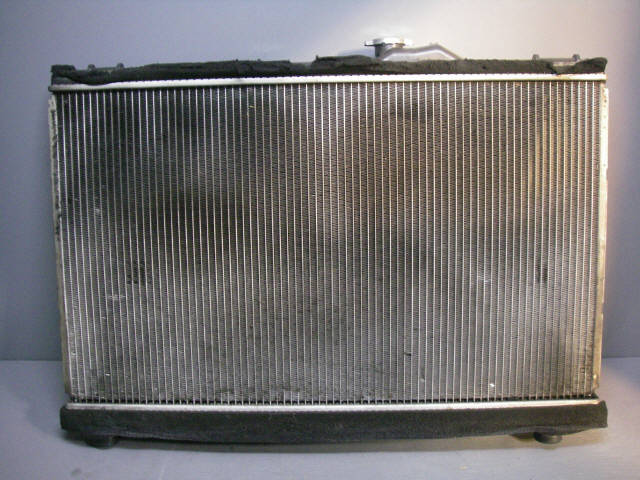 Радиатор ДВС TOYOTA CROWN ESTATE JZS171W 1JZ-GE. Фото 3
