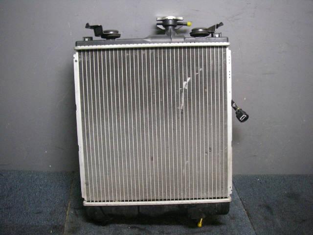 Радиатор ДВС SUZUKI SWIFT HT51S M13A. Фото 7