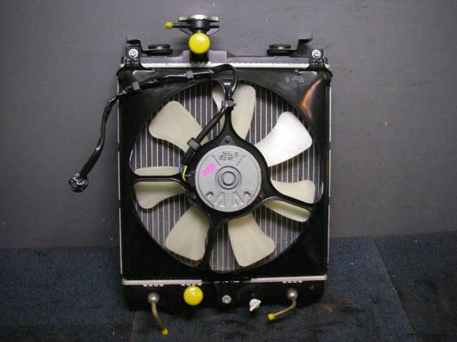 Радиатор ДВС SUZUKI SWIFT HT51S M13A. Фото 6