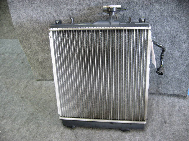 Радиатор ДВС SUZUKI SWIFT SPORT HT81S M15A. Фото 6