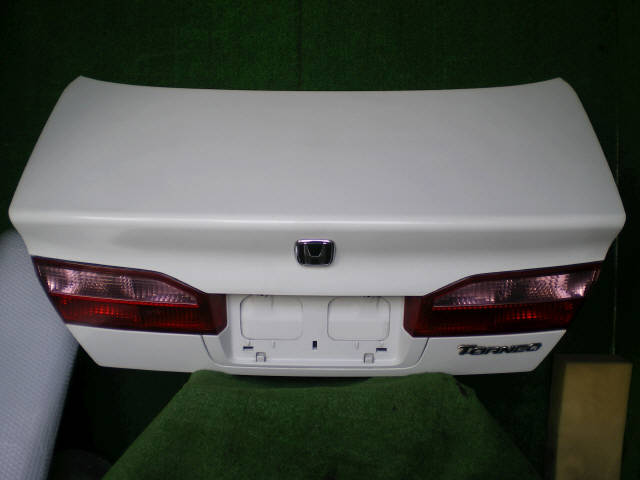 Крышка багажника HONDA TORNEO CF3. Фото 2
