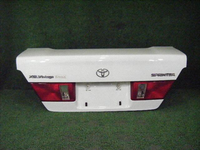 Крышка багажника TOYOTA SPRINTER AE110. Фото 4