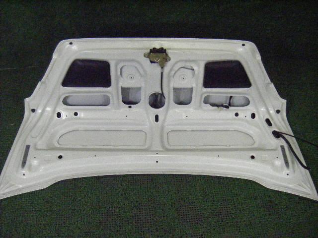 Крышка багажника TOYOTA SPRINTER AE110. Фото 3