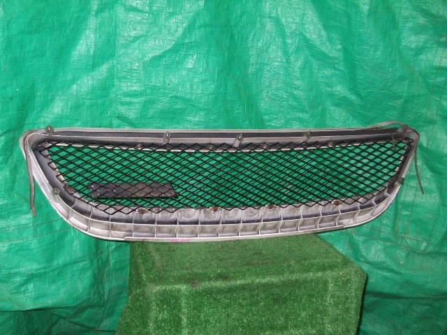 Решетка радиатора TOYOTA NADIA SXN10. Фото 1