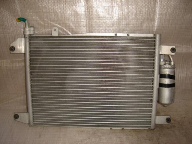 Радиатор кондиционера SUZUKI ESCUDO TA02W G16A. Фото 1