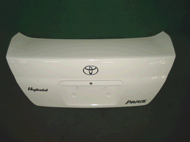 Крышка багажника TOYOTA PRIUS NHW11. Фото 1