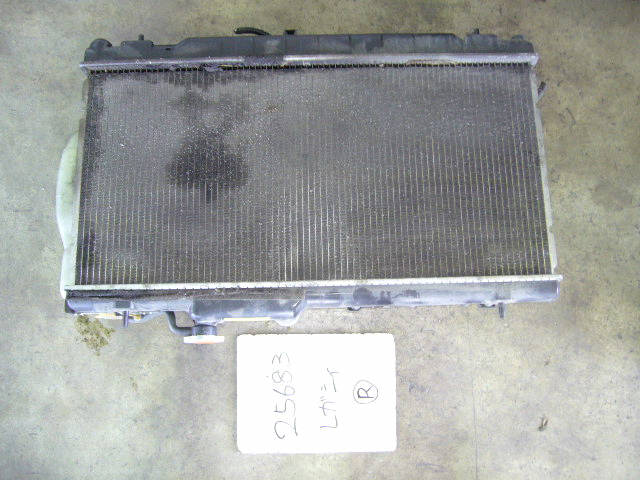 Радиатор ДВС SUBARU LEGACY WAGON BH9 EJ25. Фото 3